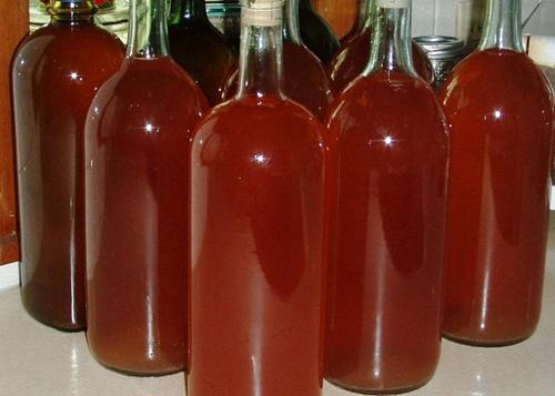 Домашнее вино из клубничного варенья