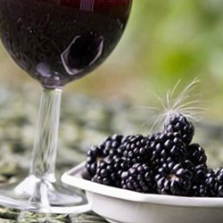 Вино и ежевика