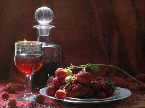 приготовление крепкого клубничного вина