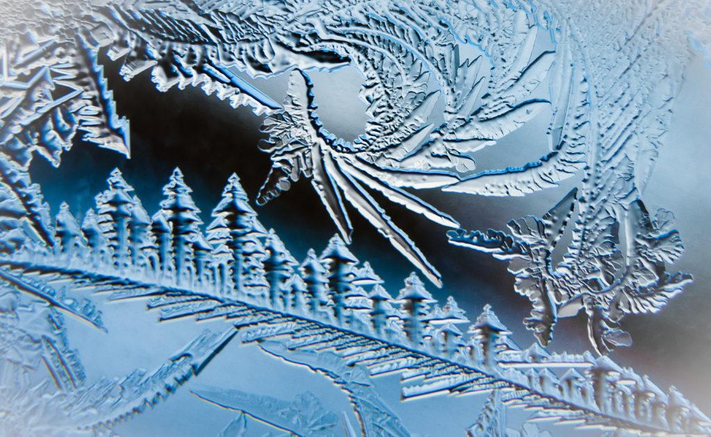 9 февраля - Златоустов день: о чем в этот день говорят узоры на окнах