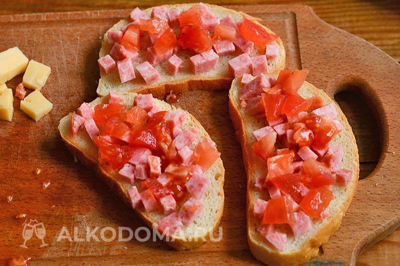 Как быстро приготовить горячие бутерброды с сыром и колбасой