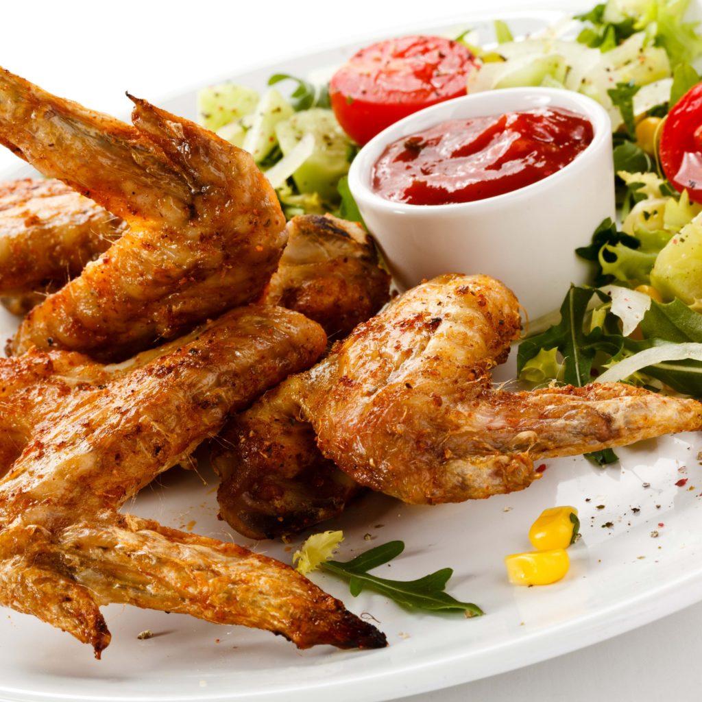 Три способа приготовить куриные крылышки с хрустящей корочкой
