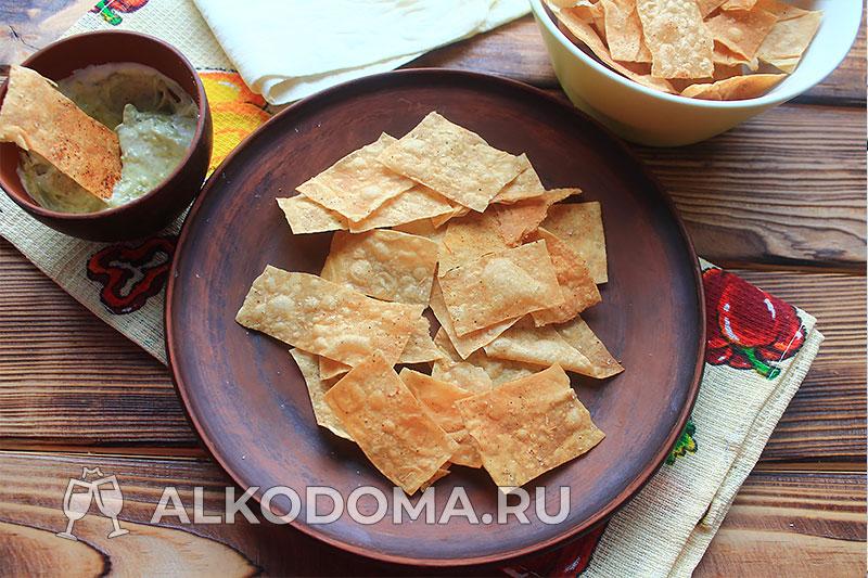 Быстрые и вкусные чипсы из лаваша к пиву: целая миска готовится за 15 минут