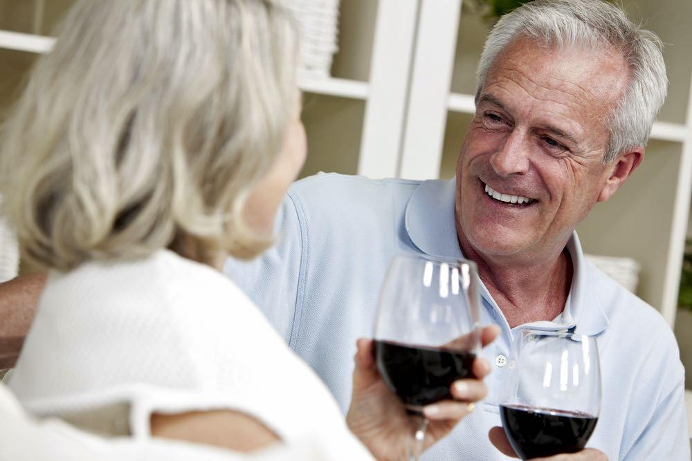 Как действует вино на сосуды и можно ли пить его при повышенном давлении