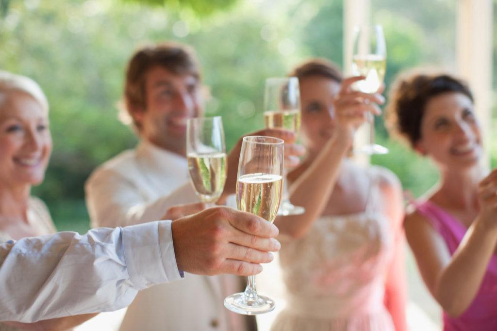 Как рассчитать, сколько алкоголя купить на свадьбу