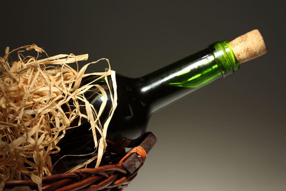 Как открыть вино без штопора: удивительные, но рабочие методы на все случаи жизни
