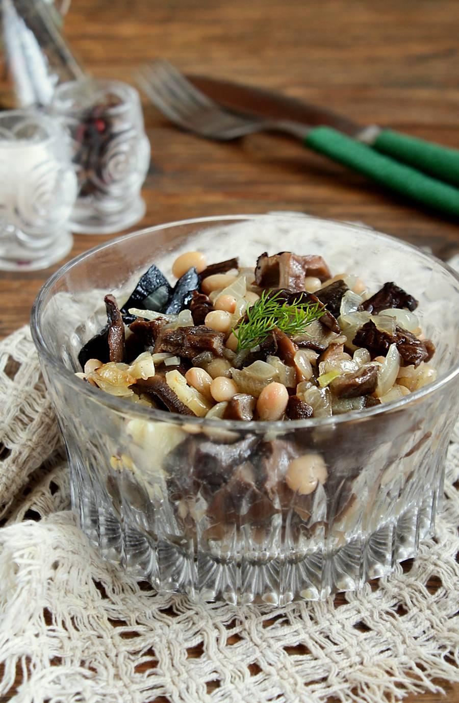 3 вкусных и сытных салата для Великого поста, которые помогут пережить ограничения
