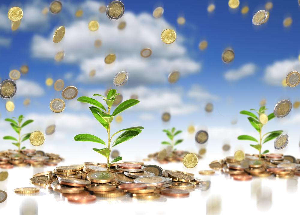 Как обращаться с деньгами, чтобы их было больше: приметы и традиции, связанные с богатством
