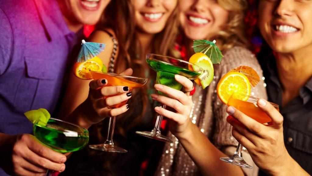 5 опасных мифов об алкоголе, которые мешают человеку бросить пить