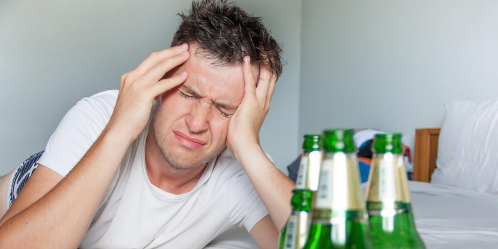 Как и что пить, чтобы голова с утра не болела