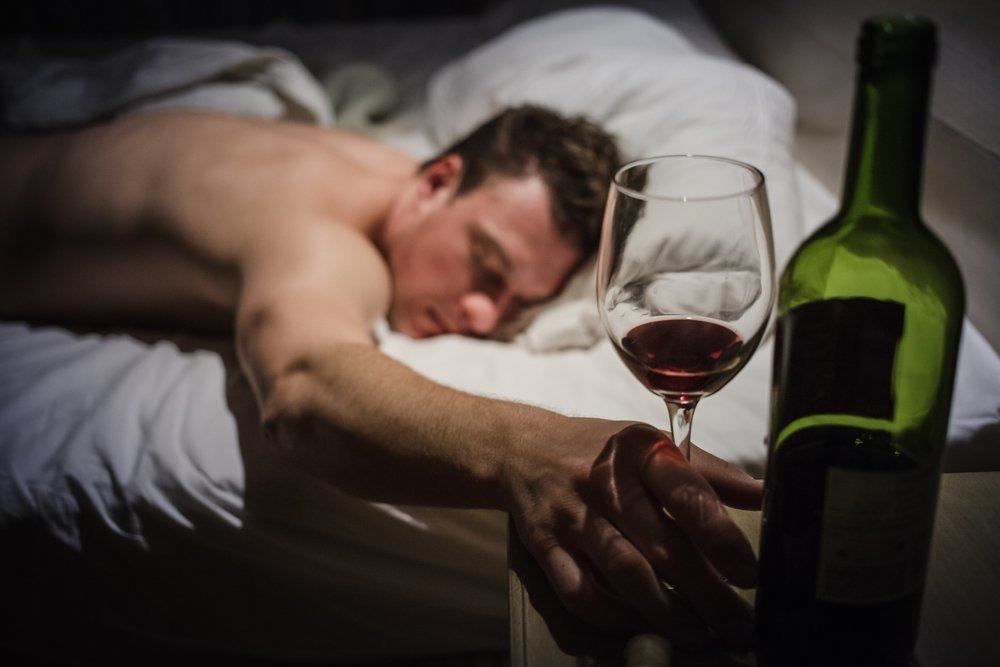 Почему после алкоголя человека клонит в сон