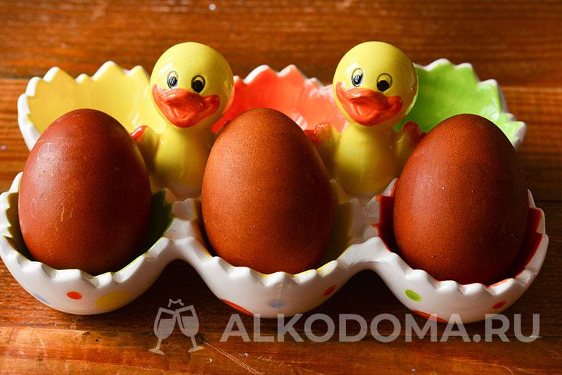 Как покрасить яйца луковой шелухой: вспоминаем бабушкины рецепты