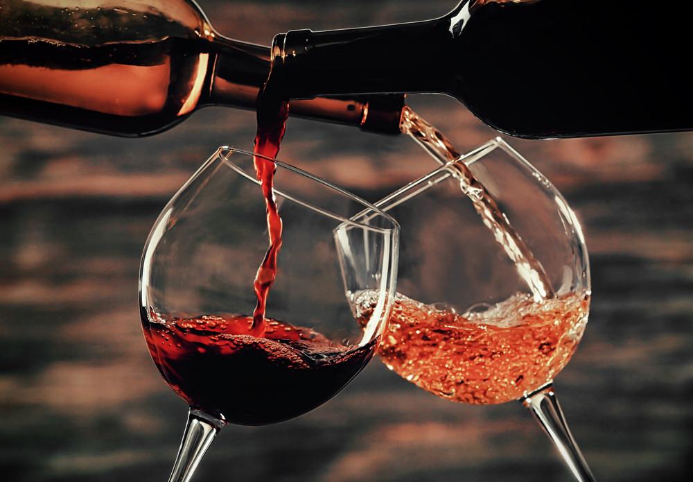 Самые распространенные застольные приметы и суеверия, связанные с алкоголем
