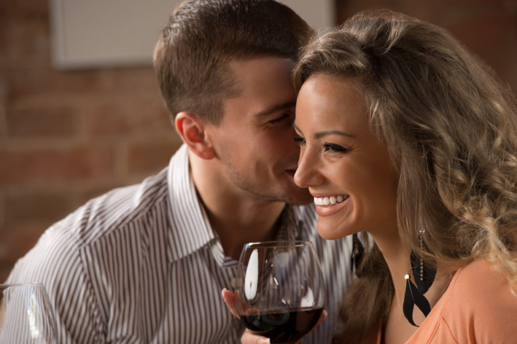 Почему после выпитого алкоголя все женщины становятся «красивее»: ученые раскрыли тайну