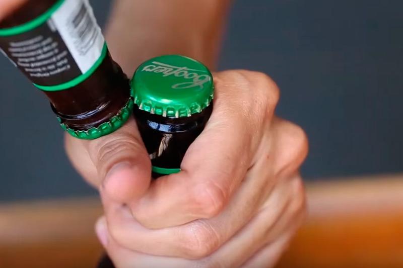 Неожиданно, но бутылку пива можно открыть огурцом: необычные способы снять заветную крышку