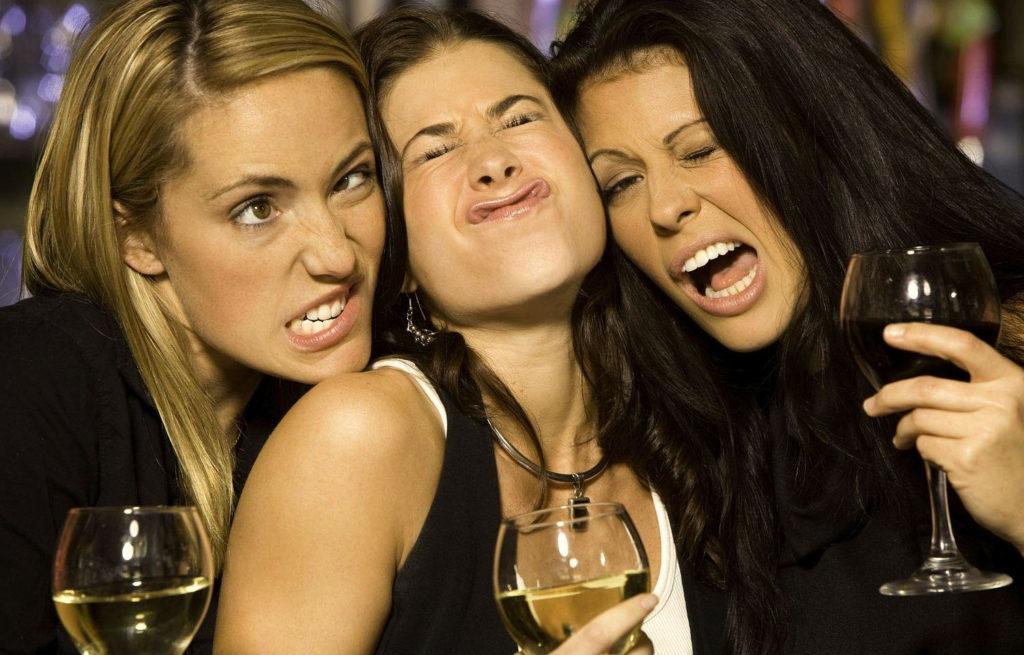 Оказывается, женщины не так воспринимают алкоголь, как мужчины