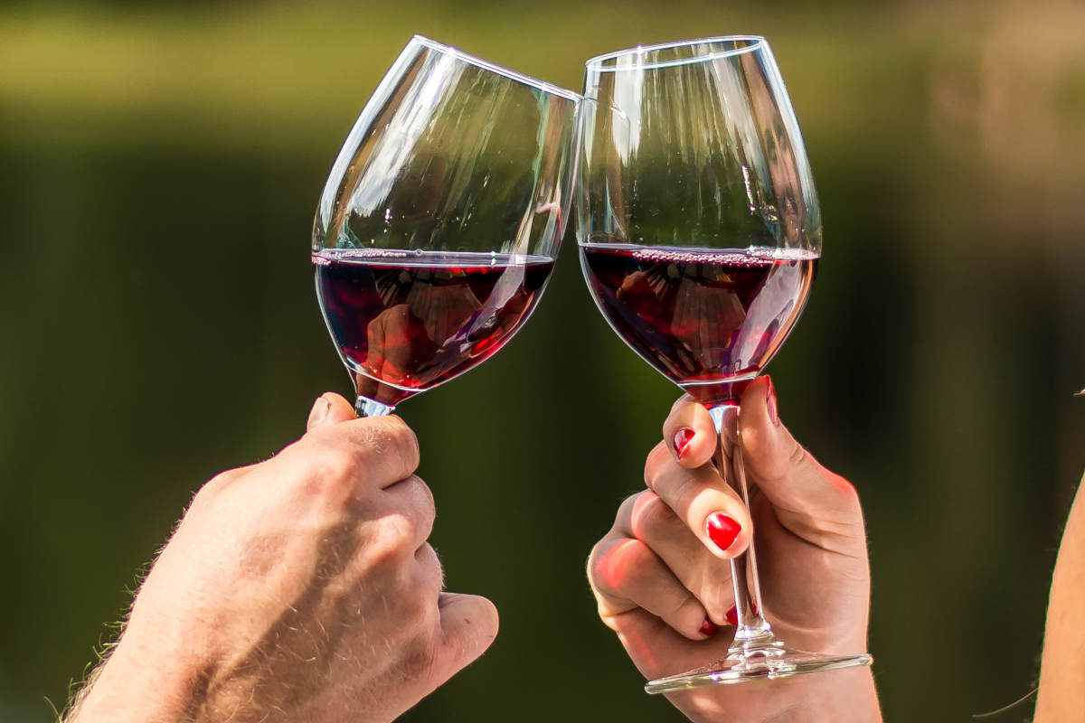 Как определить, что вино испортилось