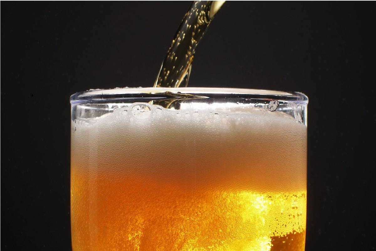 Почему не стоит доливать пиво в бокал