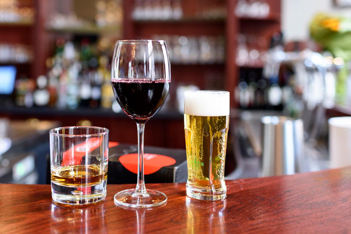 Что о человеке могут рассказать его предпочтения в алкоголе