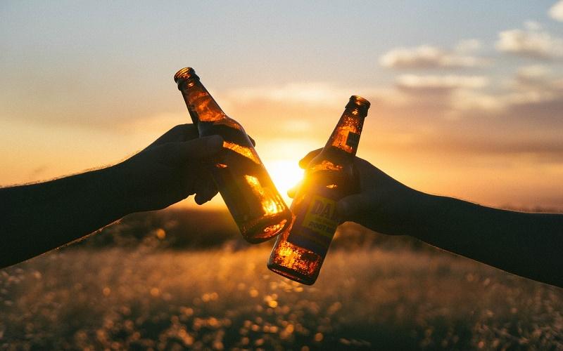 «Аристократы и дегенераты» – как влияет алкоголь на организм в разное время суток