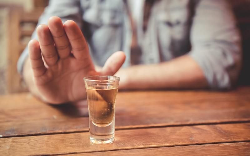 Как раздражать людей, если вы не пьете