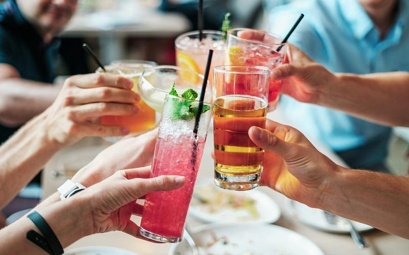 Заповедь «Не смешивай»: вредны ли коктейли?
