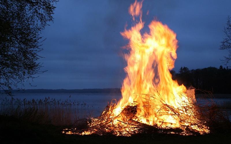 Традиции и приметы на 30 августа – что надо сжечь в день Мирона, чтобы избавиться от бед